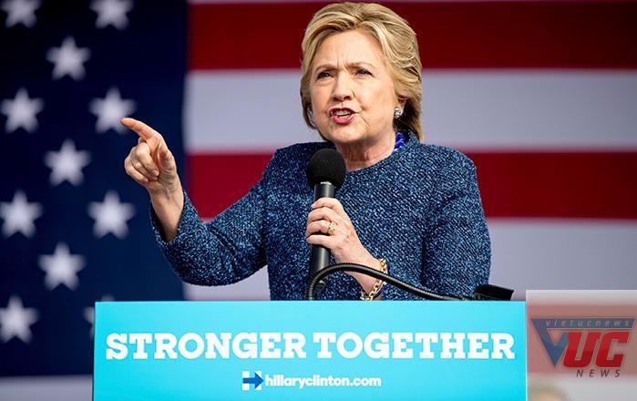 Bà Hillary bị tái điều tra vụ bê bối thư điện tử, ngay trước thềm bầu cử.
