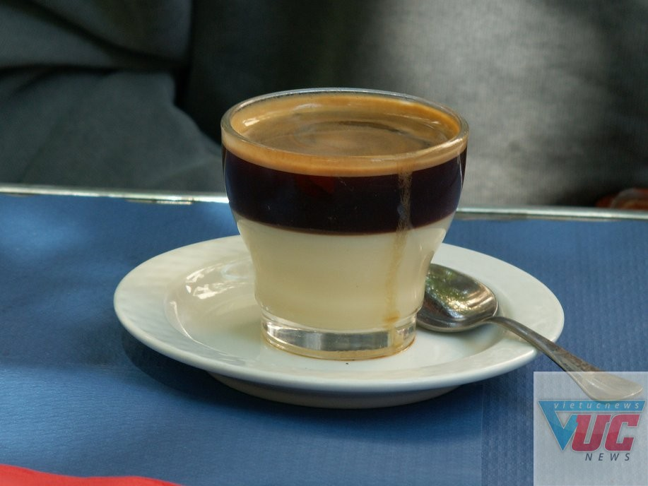 Cafe Bombon ở Tây Ban Nha
