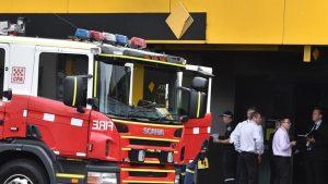 Hai người vẫn ở trong tình trạng nguy kịch tại bệnh viện, một tuần sau khi một đám cháy tại một ngân hàng ở TP. Melbourne.