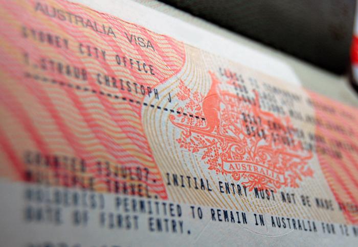 Visa 457 là loaị visa tạm trú dành cho lao động có tay nghề. Đây cũng là loại visa mà các du học sinh Việt cần có để bước đầu được ở lại Úc sau tốt nghiệp.