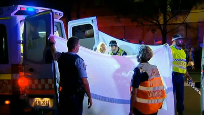 Đáng Thương Một Người Phụ Nữ Bị Chết Khi Đang Thay Lốp Xe Trên Đường Sydney Road