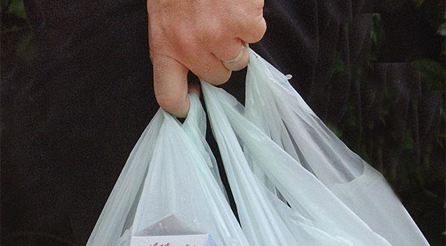 Woolworths là siêu thị tiên phong trong việc loại bỏ túi nilong bảo vệ môi trường