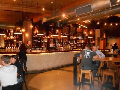 5 - 7 nhà hàng bạn nhất định phải thử trên Domain Rd, Melbourne
